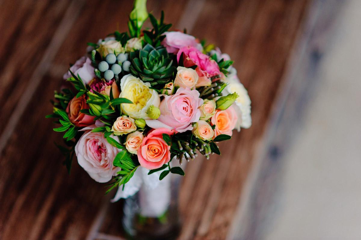 Что означает цвет цветов на свадьбу