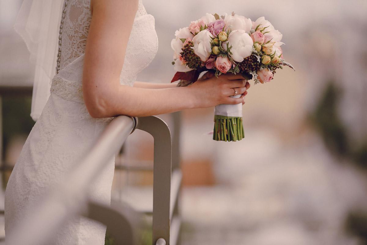 Який весільний букет вибрати у 2018 році  – Wedding magazine Ukraine ... 82fbca3d31752